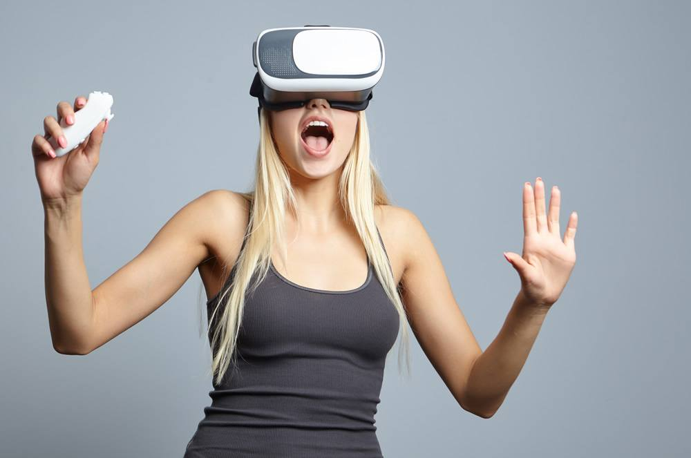 How to Use Virtual Reality Goggles